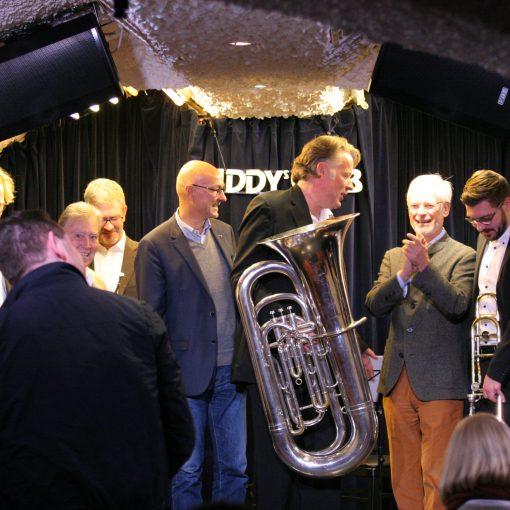 Foto der Gründungsveranstaltung mit den Teilnehmern und Andreas Prager